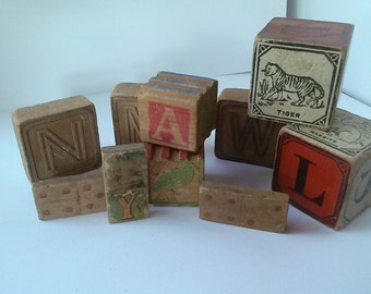 Collection of 10 vintage child's blocks and dominoes