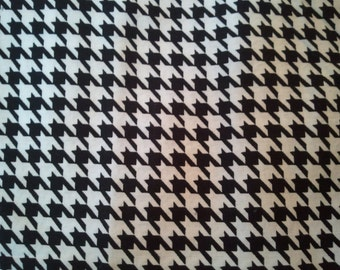 Houndstooth Cotton Print