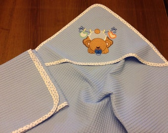 Baby set, bathrobe and towel.