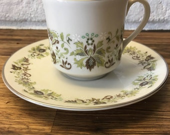 Royal Doulton Vanity Fair teacup and saucer (8 sets of 1 cup and 1 saucer available) shabby chic/retro/floral/weddings