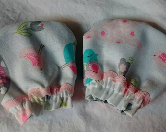 Elephant NB scratch mittens