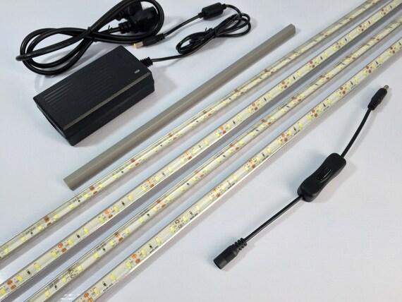 Ikea detolf led kit luci led invisibile progettato for Ikea luci led