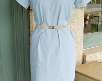 Vintage Retro Style  - Women's Shift Dress  - Size Extra Small, Small, and Medium