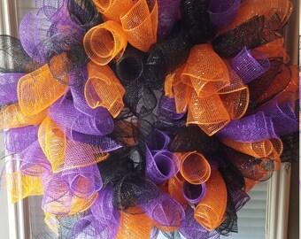 Deco Mesh Spiral Wreath - Halloween