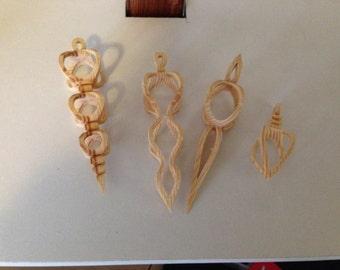 Set of 4 hanging ornaments.