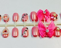 Hello Kitty Pink Bow Nails
