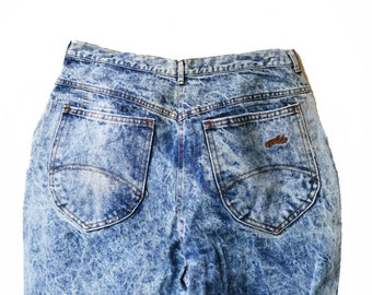 Acid Wash - High Waisted Jeans