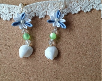 Flower and shell earrings (knobs work)