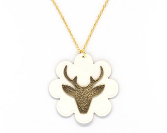 "Necklace leather ""bichette"" Golden and done White hand"