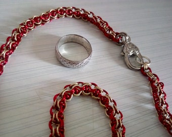 Inverted Round Captive chainmaille weave necklace