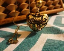Vintage Heart Puff necklace