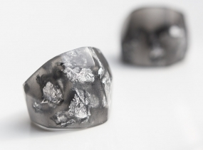 Dark Gray Resin Ring Silver Flakes Statement Faceted Cocktail Ring OOAK anthracite geometric minimalist jewelry