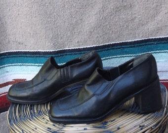 90s CHUNKY HEEL Banana Republic black leather oxford heels shoes / Ladies Sz 10