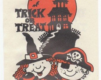 26 vintage halloween paper bags 1980's ? Witch Pirate Clown Haunted House Bats