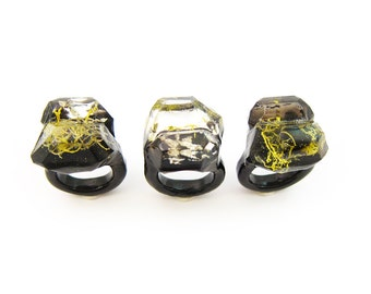 Lichen Moss Terrarium Resin Ring • Size 7 • Eco Resin Ring • Asymmetrical Unusual Ring • Resin Terrarium Ring • Nature Resin Ring • 3H