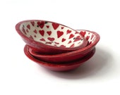 Set of 3 Ceramic Bowls with Red Hearts and Arrows