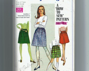 Simplicity Juniors' /Teens' Skirt In Two Lengths Pattern 7735