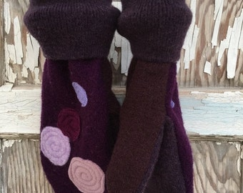 40% FLASH SALE- Purple Felted Mittens- Grape Jelly Dots-Upcycled Wool-Teen-Women