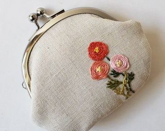 coin purse pink flowers on natural linen kiss lock coin purse flower coin purse change purse ranunculus coral pink grass green chartreuse