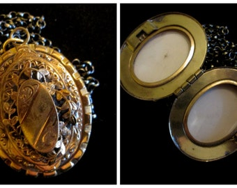 Large Vintage Victorian Double Locket - Unisex
