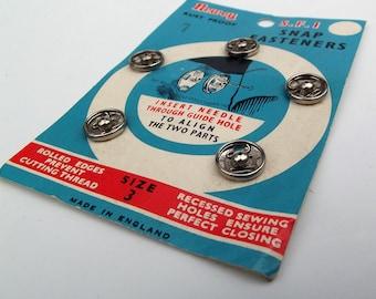 Vintage Silver Rustless Metal Snap Fasteners - Size 3 - Craft Supplies