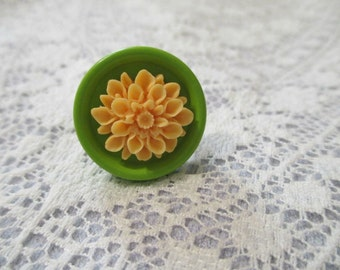 Light Orange and Green Mum Ring