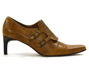 90s Minimalist Brown Leather Pumps / Vintage 1990s Modernist High Heel Shoes with Buckles / Architectural Heel Pointed Toe / Women's Size 8