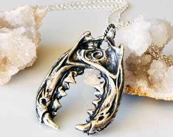 The Jaws of the Jabberwocky, sterling silver pendant