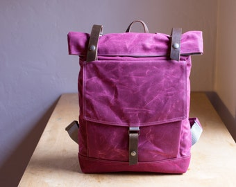 Waxed Canvas Backpack - The Backpack no.1 in magenta