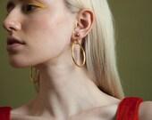 gold hoop earrings / doorknocker hoop earrings / clip on earrings / 1132a