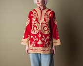 lion cursive 70s red velvety ornate embroidered top / vintage ethnic tunic / indian brocade top / s / 1059t