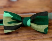 Boys Camouflage Bow Tie - camo green black cotton bowtie - bow ties for infant baby toddler child preteen - photo prop bow tie - army tie