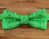 Boys Green Irish Print Bow Tie - St. Patrick's Day cotton bowtie - infant baby toddler child preteen little boy - Christmas bow tie - gift