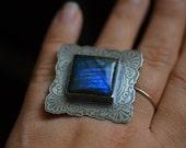 Sterling Silver Labradorite Statement Ring. Etched Sterling Ring. Labradorite Ring. Large Sterling Silver Ring. Size 8.5 Sterling Ring.