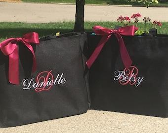 Personalized Bridesmaid Totes Monogrammed  - set of 8- wedding tote bag, wedding party gift, bridal party gift, monogrammed tote