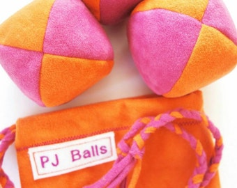 105g - 3 SOFT JUGGLING BALLS With Bag - Orange and Fuschia Pink