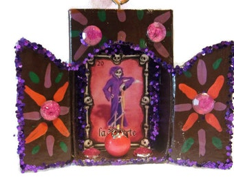 La Muerte Loteria Ornament//Dia de los Muertos Matchbox//Day of the Dead//Upcycled Mixed Media Matchbox Art