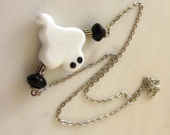 Halloween Necklace, Cute Halloween Ghost Necklace, Lampwork Halloween Jewelry, Lampwork Ghost Jewelry, Autumn Jewelry, Spooky Necklace