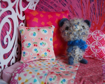 Blythe patchwork quilt and cushions set. Pink ombre stripes