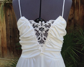 Vintage 70s White knit lace crochet trim dress ~ disco - handkerchief hem ~ wedding - bohemian