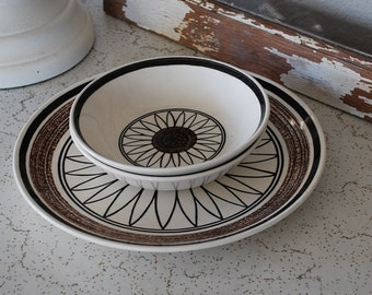 Vintage Cavalier Ironstone Royal China Dinner Plate and Small Bowls