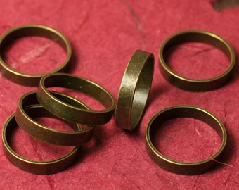 Antique brass band ring, one piece (item ID ABFA00096)