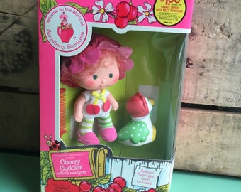 Vintage Strawberry Shortcake Doll, Cherry Cuddler with Gooseberry, Deadstock, 80s toys, Kenner, American Greetings Corp