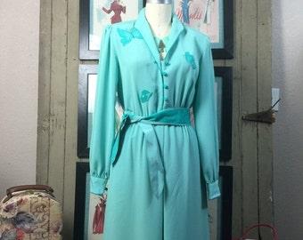 On sale 1970s day dress 70s novelty print dress size medium Vintage aqua dress secretary dress