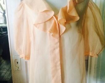 Vintage womens 1970's peach dreamy blouse. Size M/L