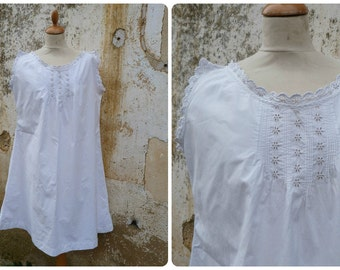 Vintage Antique old French 1900 Edwardian white cotton dress /underdress/Nightgown with handmade floral embroiderys  size S/M