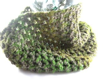 Summer Sale - Shades of Green, Crochet Infinity Scarf, Mens Cowl, womens cowl neck scarf, merino wool yarn