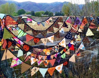 Halloween garland- large pennants, 12 ft.