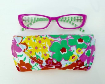 Eyeglass Case - Sunglass Case - Pink Green - Floral - Magnetic Closure
