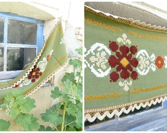 Vintage Tyrol Austria East Europe handmade folk embroidered centerpiece of table/tablecloth/doily / floral pattern / cotton on linen